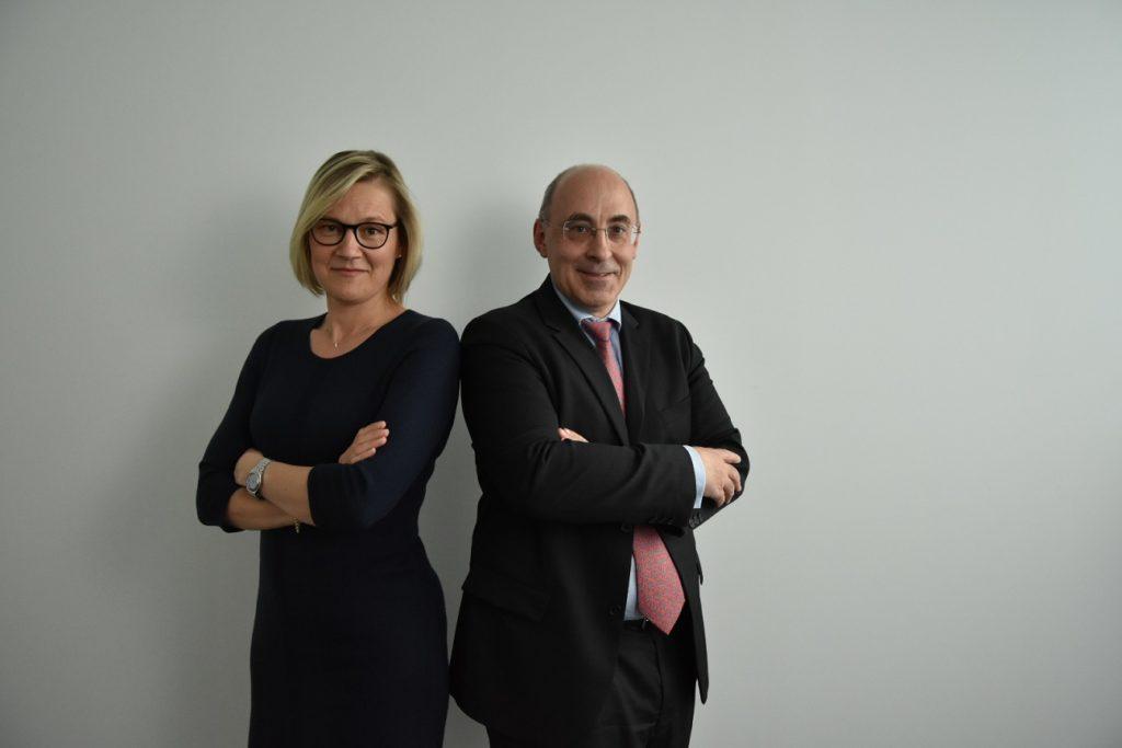 Cécile D et Sébastien C, Chargé(e) d'affaires