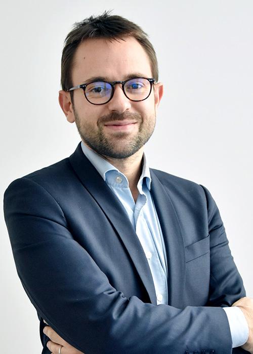 Pierre J, Acheteur Groupe Prestations Intellectuelle Informatiques