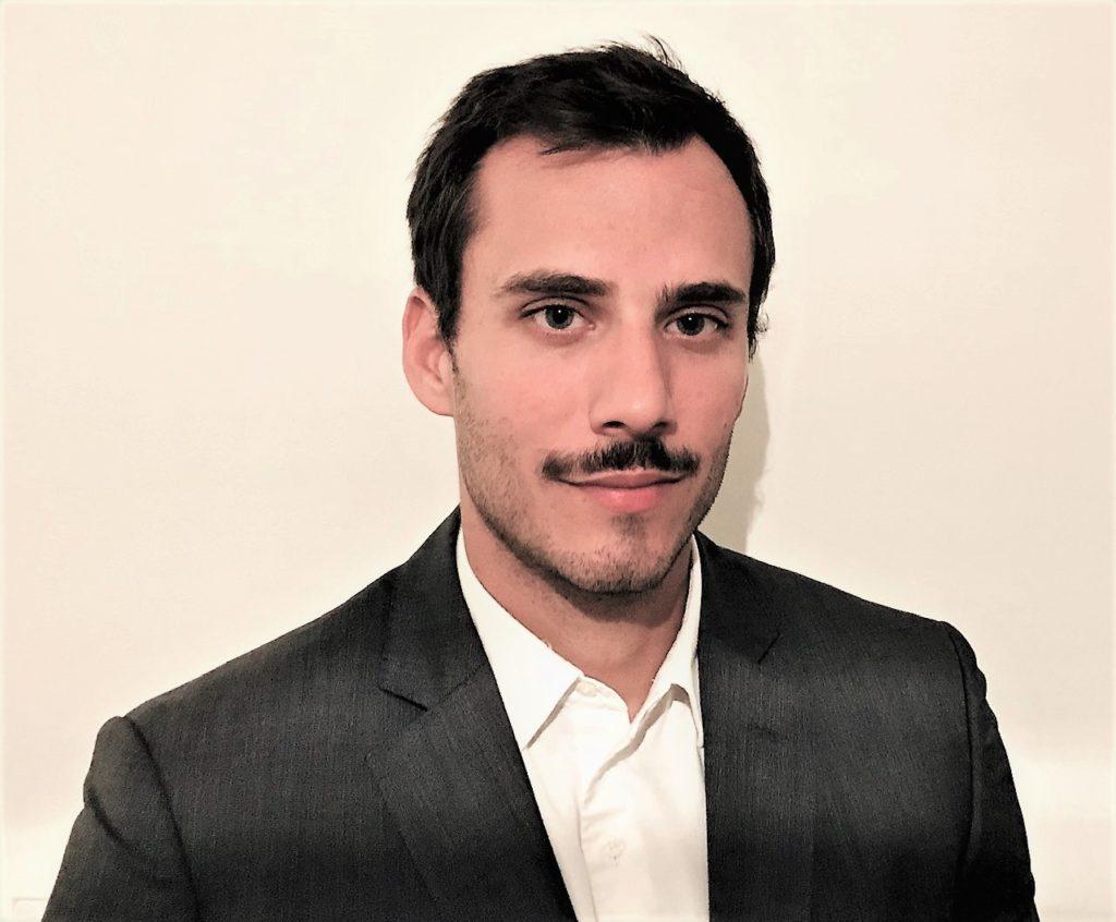 Vincent B, Analyste Fusions Acquisitions
